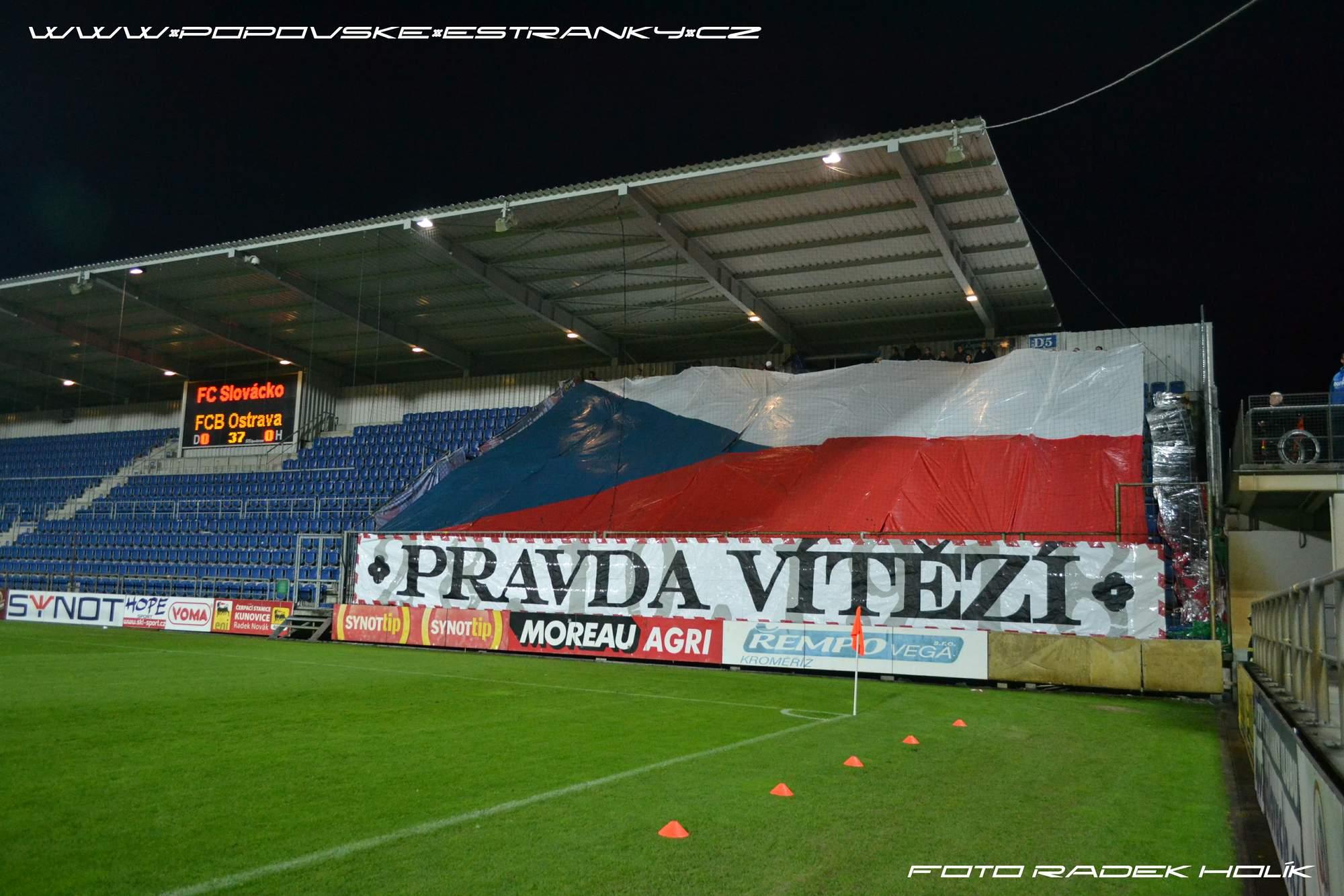 slovacko_fcb_14-15_pohar_2.jpg (303 KB)